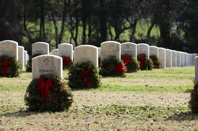 grave-608441_640