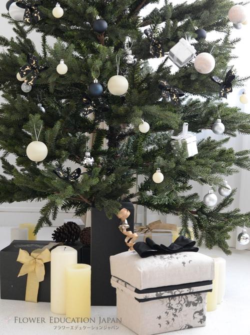 クリスマスツリー 足元 プレゼント