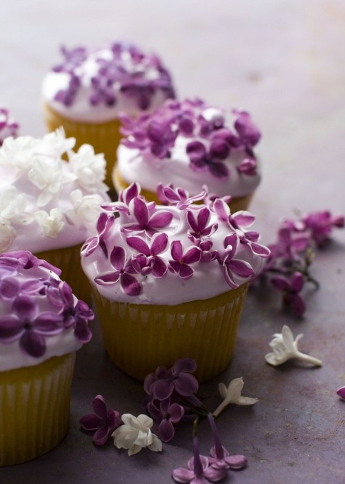 edible-flower-ideas-for-your-wedding-table-33-500x701